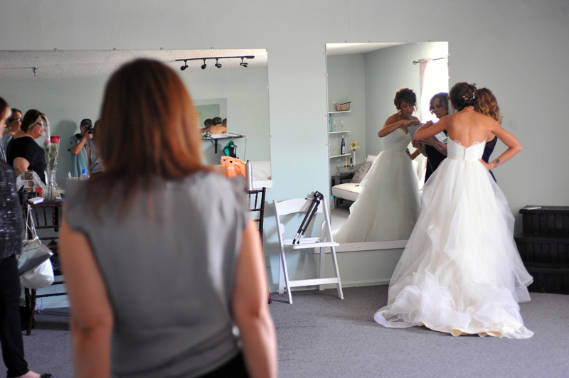 changing room - wedding day - 2136