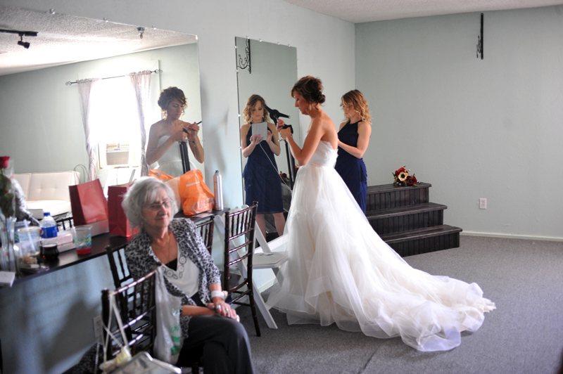 changing room - wedding day - 2137