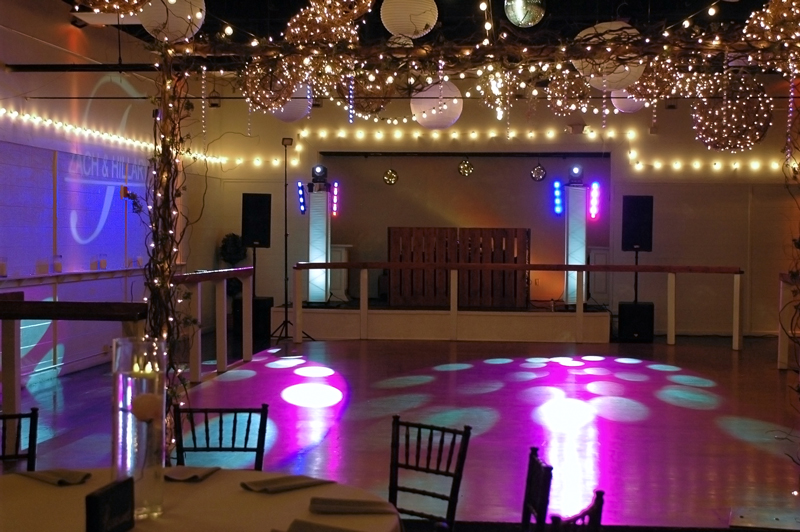 large dance floor - reception - 3001