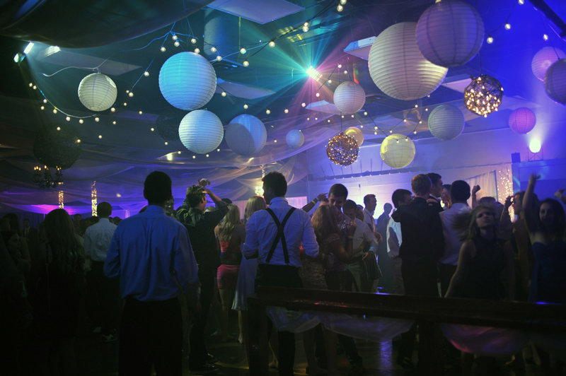 large dance floor - reception - 3002