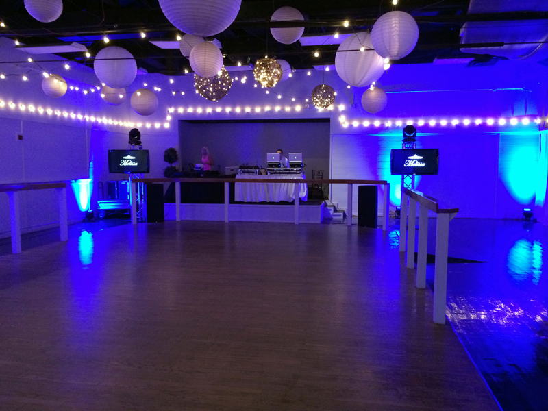 large dance floor - reception - 3009