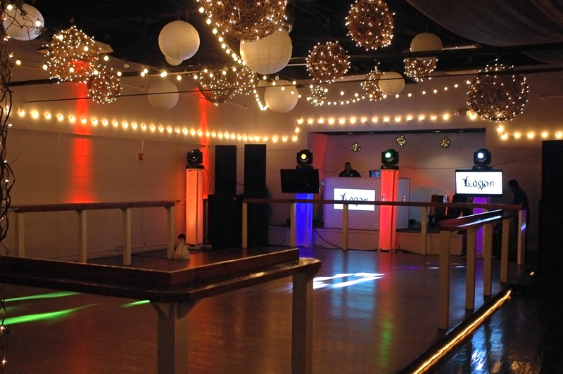 large dance floor - reception - 3010