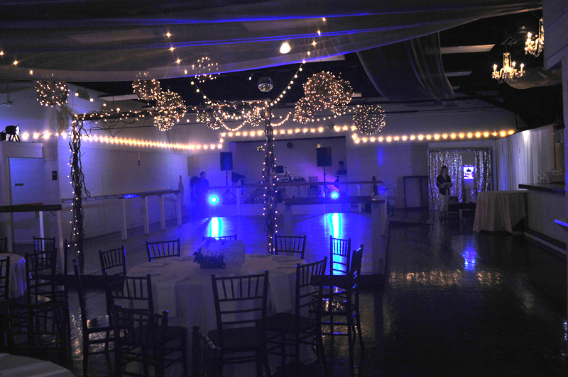 large dance floor - reception - 3017