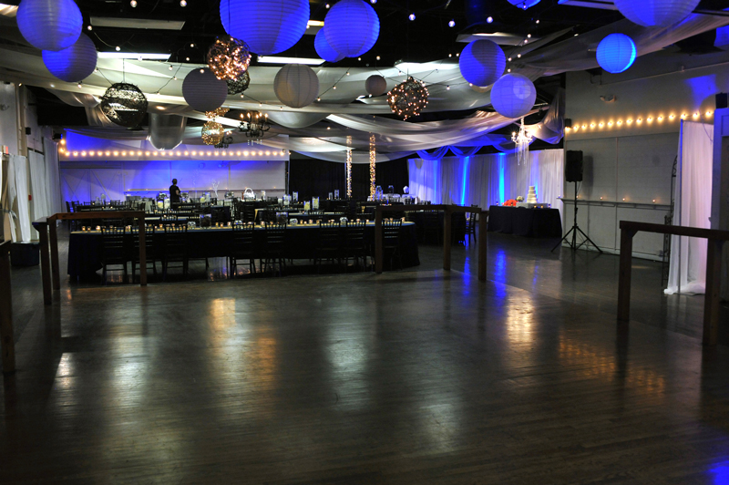 large dance floor - reception - 3022