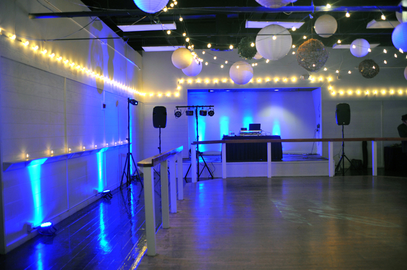 large dance floor - reception - 3023