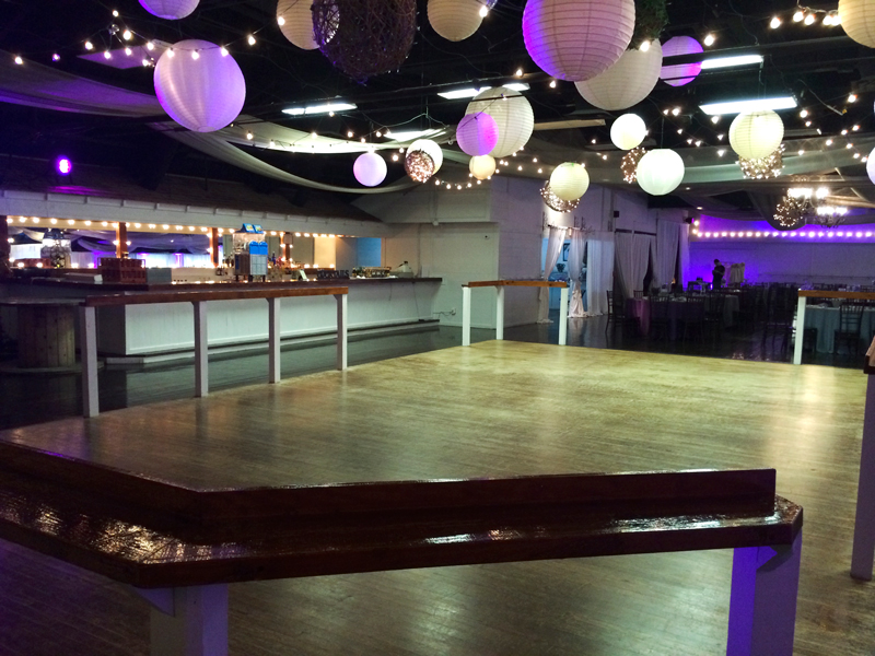 large dance floor - reception - 3025