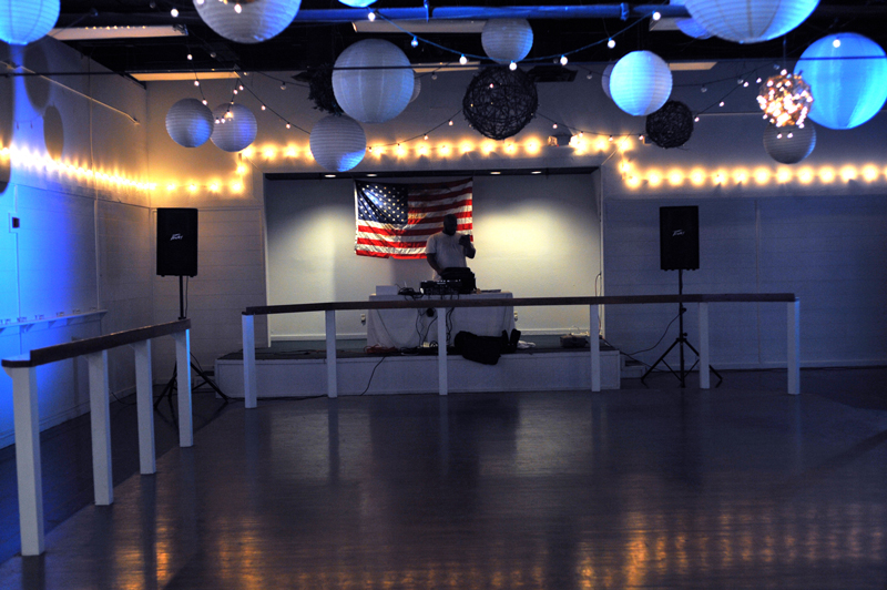 large dance floor - reception - 3028