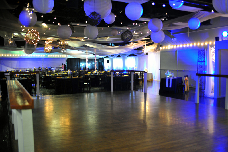 large dance floor - reception - 3031