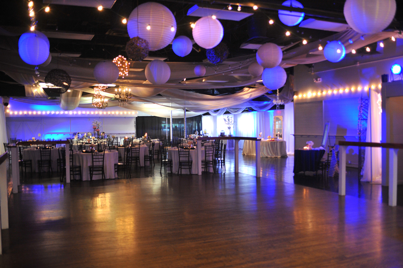 large dance floor - reception - 3033