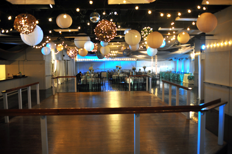 large dance floor - reception - 3037